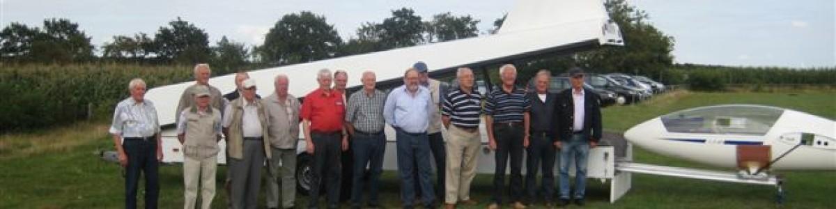 Seniorenverein der Meyer Werft zu Gast bei den Papenburger Segelfliegern