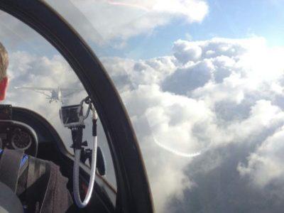 F-Schlepp über die Wolken