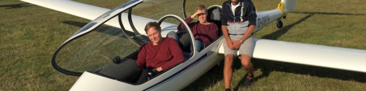 Für einen Tag Pilot – Oldenburger Schüler tauschen Klassenzimmer gegen Segelflugcockpit
